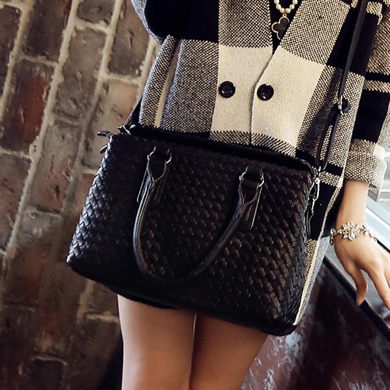 ФОТО 2016 Fashion Solid Women Handbags Female Korea Style Messenger Bags High Quality PU Leather Women's Medium Size Crossbody Bags