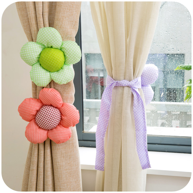 2pcs Romantic Lace Cloth Flowers Window Drapery Hook