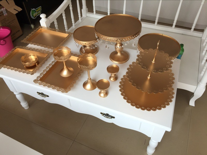 Buy 12 pieces gold white cake stand for Wedding table design tool