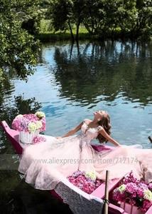 Image 3 - Amazing ลูกไม้ Tulle อัญมณี A Line ชุดแต่งงานกับลูกปัดภาพลวงตากลับ Applique สีชมพูชุดเจ้าสาว vestido de novia
