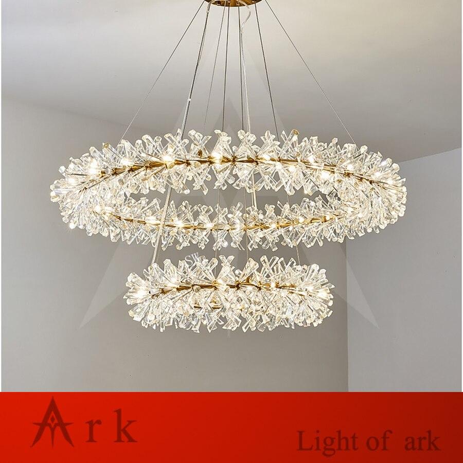 Işıklar ve Aydınlatma'ten Kolye ışıkları'de Postmodern lüks kristal LED kolye ışıkları otel yemek odası için parlaklık altın kolye lamba ev dekorasyon