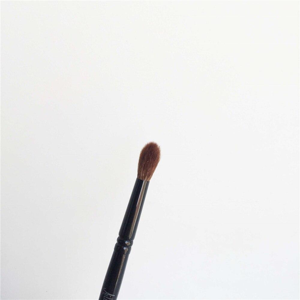 Brush 19 Eye Shadow Crease Brush _ 3