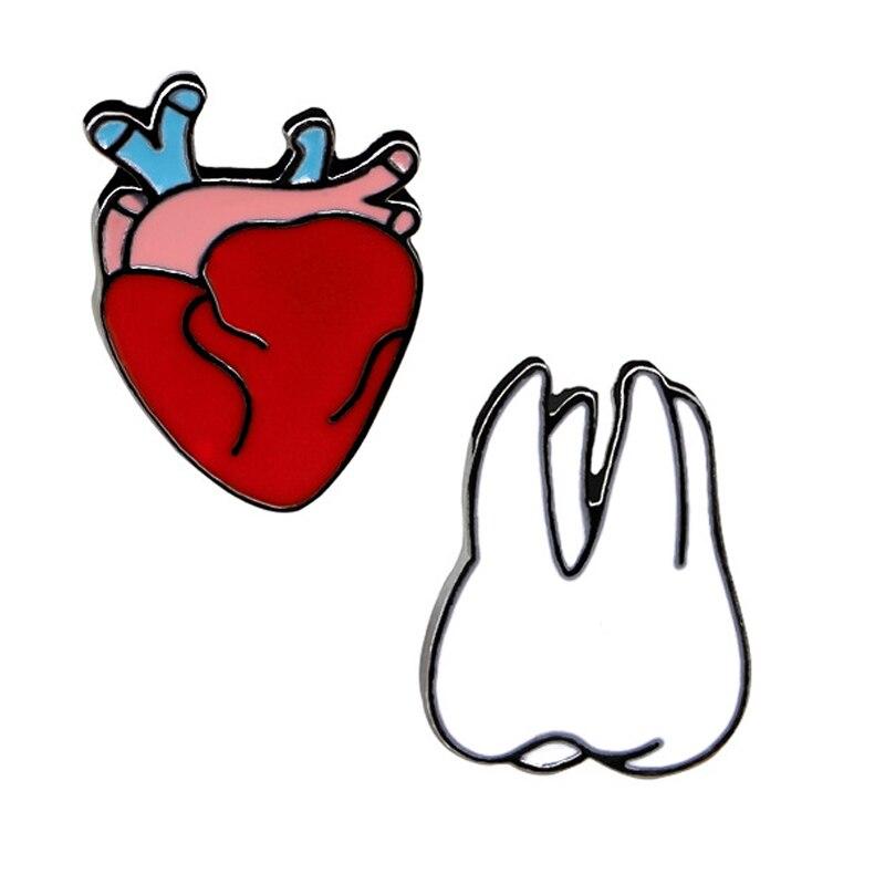 Новинка 2017 года бренд Обувь для девочек новые творческие eartoon брошь сердце зубы корсаж элегантный с мешок рубашка Интимные аксессуары Оптовая продажа подарок