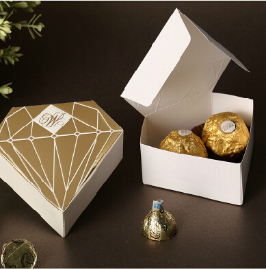 50pcs Lot Diamond Gold Wedding Favors Candy Boxes Wedding Gift Box Ideas Paper Candy Box For