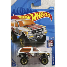 New Arrivals 2018 8J 1:64 chevy blazer 4/4 Car Models Collection Kids Toys Vehicle For Children hot cars(China)