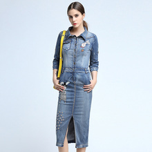 2017 Spring And Summer New Women's Blue 3/4 Sleeve Denim Dress Cartoon Pattern Embroidered Packing Hip Mid Long Jeans Dress