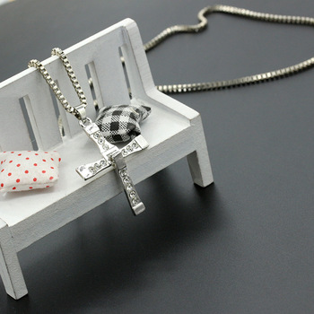 100% High Quality The Fast and the Furious Celebrity Item Crystal Jesus Cross Pendant Necklace for Men Gift Jewelry 5