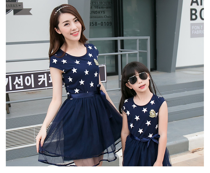 HTB1.xVyaffsK1RjSszgq6yXzpXas - Summer Cotton Family Matching Outfits Mom And Daughter Mesh Dress Dad Son Blue White Stars Short T-shirt Children Clothing