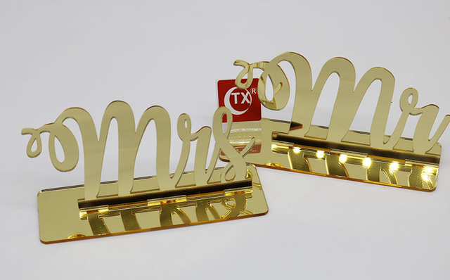 Acrylic Mirror Gold Mr And Mrs Wedding Sign For Wedding Decoration
