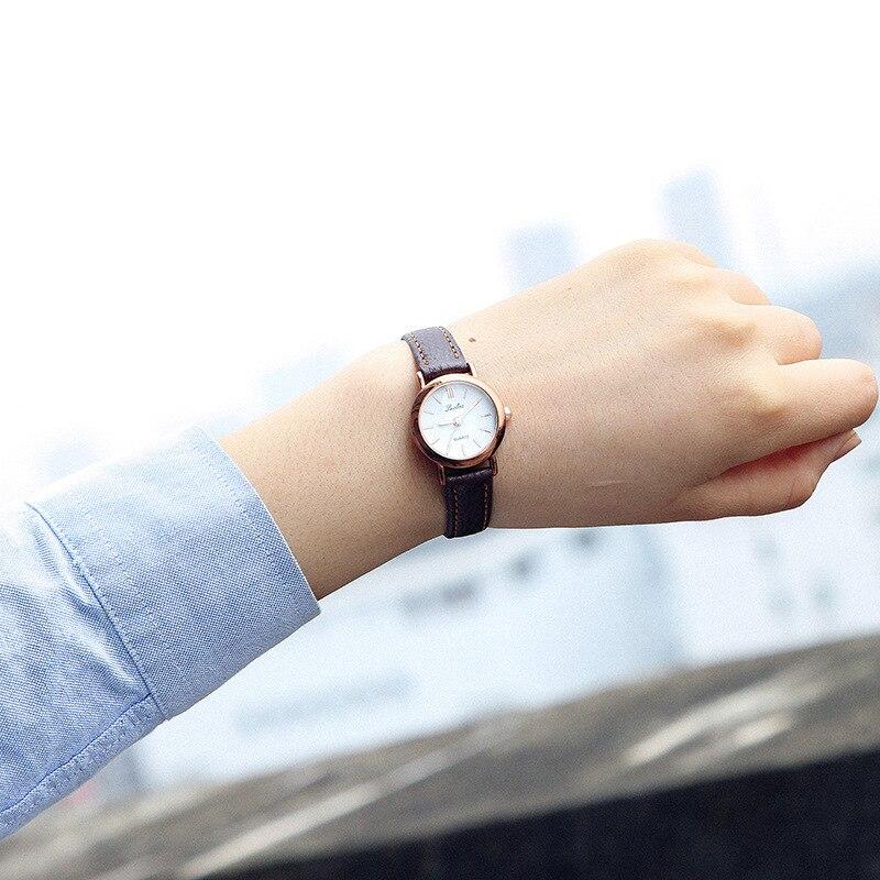 GUOTE New Fashion Watch Women Vintage Leather Strap Roman Numerals World Map Pattern Casual Quartz Wristwatch