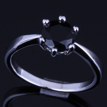 Distinctive Round Black Cubic Zirconia 925 Sterling Silver Ring For Women V0105