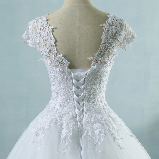 ZJ9085 lace White Ivory Short Cap Sleeve Wedding Dresses 2019 2020 for bride bridal gown Vintage plus size maxi Customer made 4