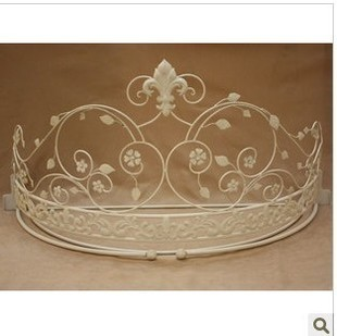 European Style Mosquito Bed Frame Iron Paint Crown Bed Mantle
