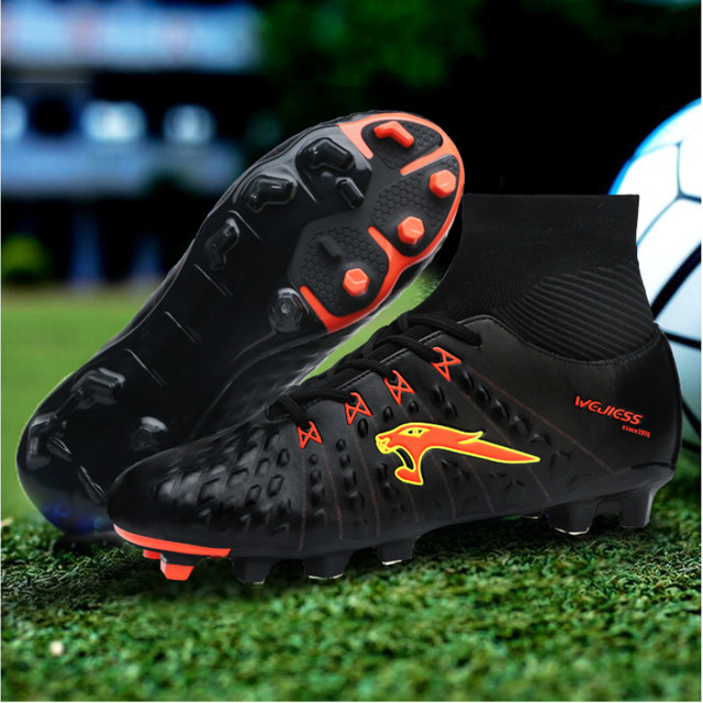 2017 New Men Football Cleats Youth Soccer Boots Size 38-45 Football Spikes Boots Black/Blue Outdoor Cleats With Sock Trainers