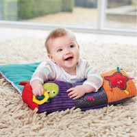 Güzel Bebek Oyun Paspaslar Tarama Kilim Bebek Halı Pad Çocuklar Molar Çubuk Çıngırak Ile oyun Oyuncak Olarak Katlanır Battaniye Yastık içinde