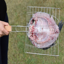 купить stainless steel Grilled fish Roast Hamburg bbq tongs hot insulation silicone handle tong rotating bbq tool по цене 1563.15 рублей