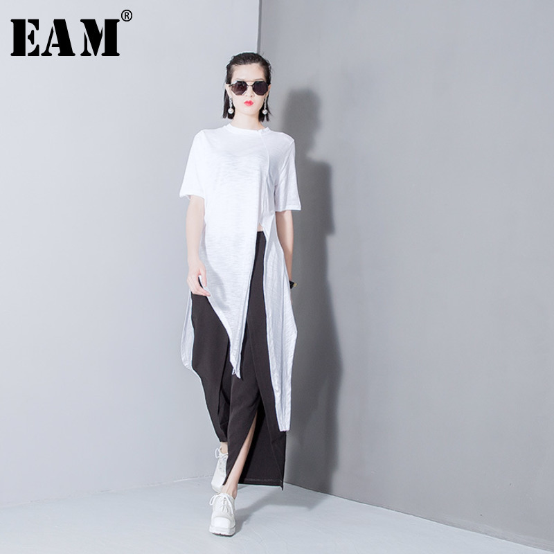 [EAM] Women White Solid Color Asymmetrical Vent Long T-shirt New Round Neck Short Sleeve  Fashion Tide  Spring Summer 2020 T298