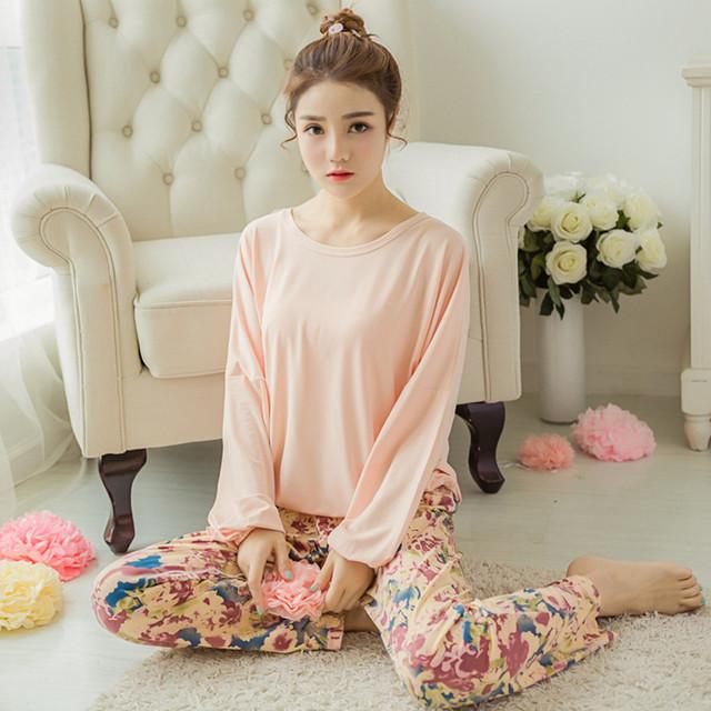 2016 Nuevo de Las Mujeres de Seda de La Leche de Algodón Pijamas ropa de Noche Fija Pijamas Mujeres Camisón Suave Estilo de La Moda Pijamas Pijama Femme