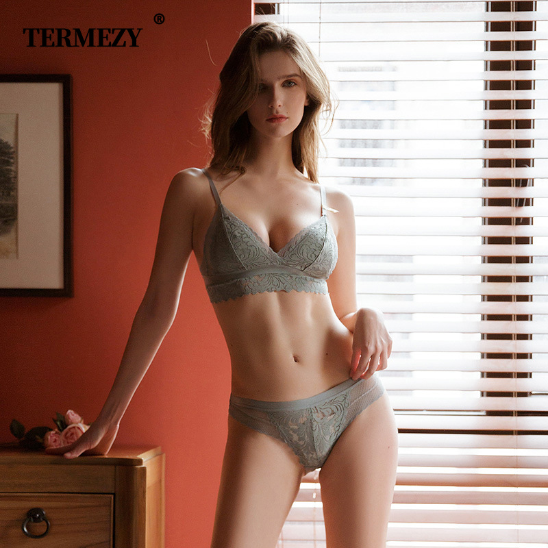 TERMEZY Women Sexy Lingerie Lace   Bra     Set   Deep V Women underwear   set   Fashion Push Up Brassiere sexy Lingerie   Set