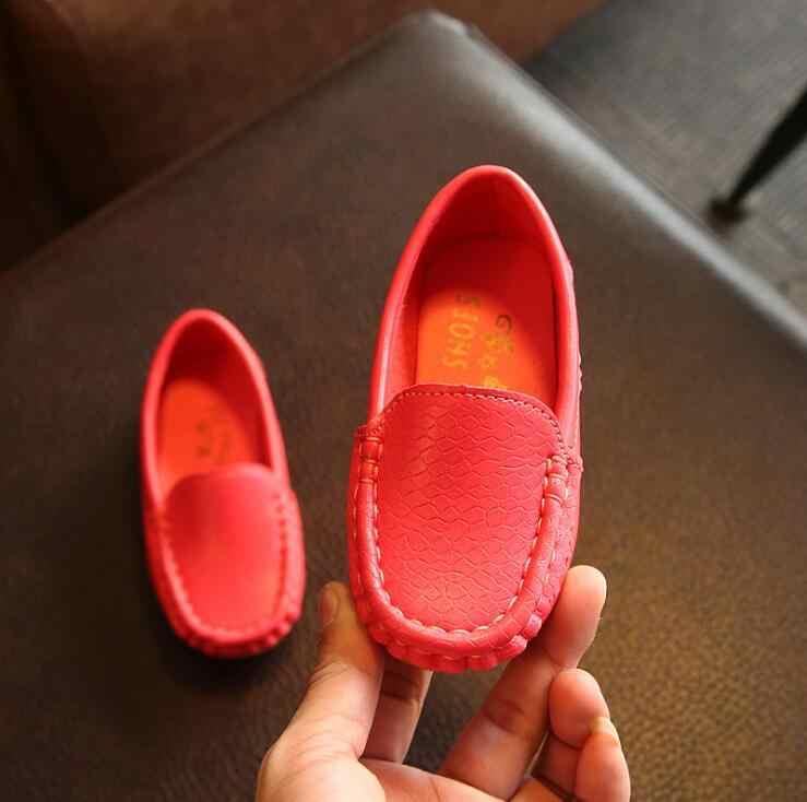 2019 ربيع الخريف الأطفال الجديد حذاء كاجوال الفتيان والفتيات الصلبة البازلاء رياضية الصفتي جودة عدم الانزلاق أحذية ل الاطفال المتسكعون