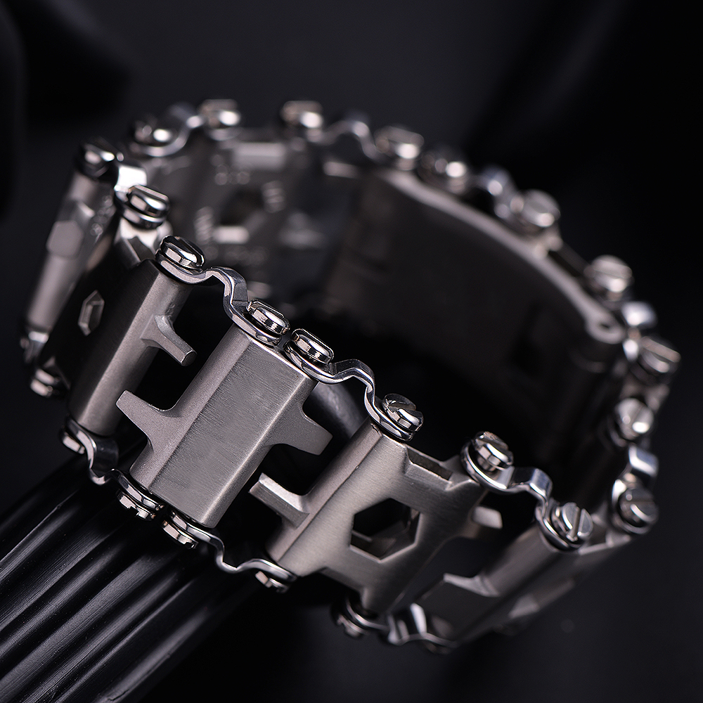 Tread Bracelet Stainless Steel Multifunction Wearable Tool Punk Outdoor Screwdriver Energy bracelet Combination 29 Tools 29 in 1 portable outdoor survival edc tool bracelet multi functional wearable tread stainless steel punk link bracelets strap