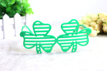 Funny Clover Shamrock Shutter Glasses for St Patricks Day Gift Party Accessory and Festival Supplies Decoration