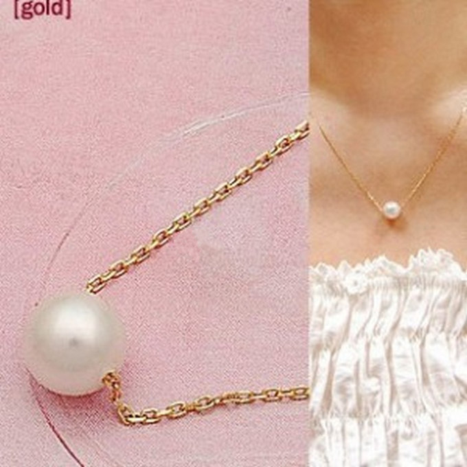 Hot sale fashion aesthetic simple and elegant imitation pearl necklace crystal shop  cheap wholesale