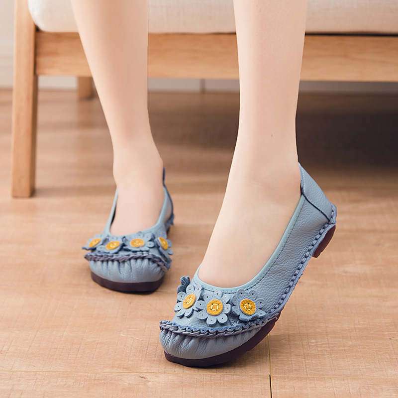 Women Shoes Flats Fashion Loafers Flowers Leather Woman Slip-on Shallow Breathable Soft Bottom Mother Plus Size 41