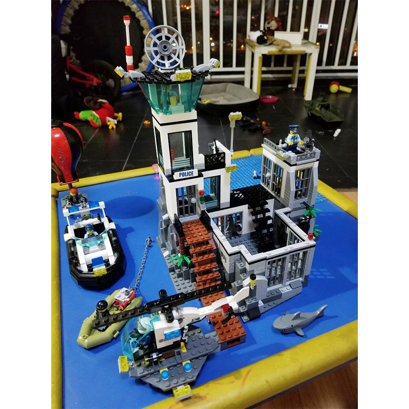 Lepin 02006 Prison Island building bricks blocks Toys for children boys Game Model Car Gift Compatible with Bela Decool 60130 original box bevle store lepin 02006 815pcs city series sea island prison building bricks blocks children toys gift 60130