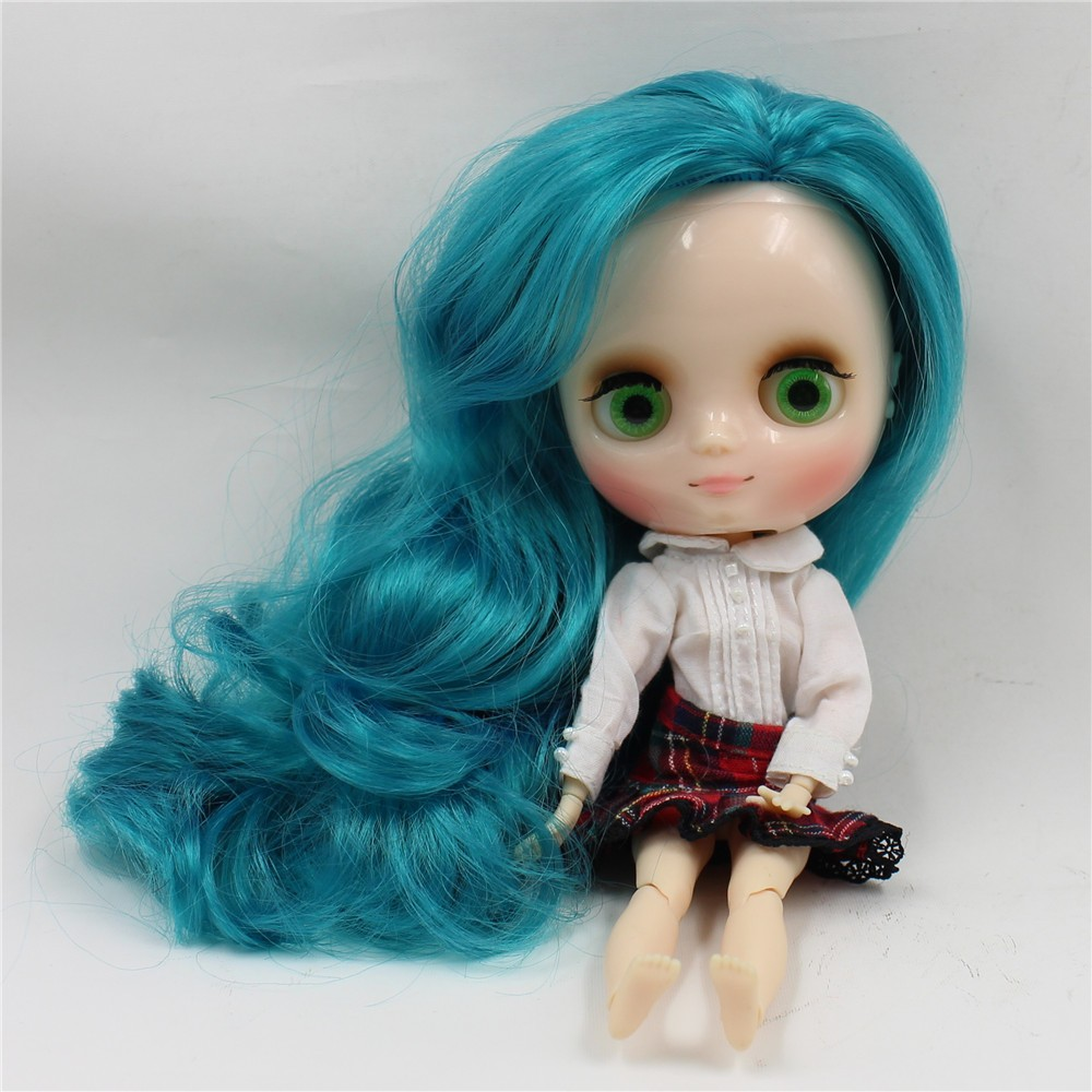 Middie Blythe Doll with Turquoise Hair, Tilting-Head & Jointed Body 2