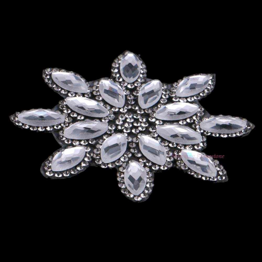 ... 1PC Leaf Shape Flower Iron On Hotfix Rhinestones Patches Motif Women Crystal  Glass Hot fix Bride ... 2b373a446490