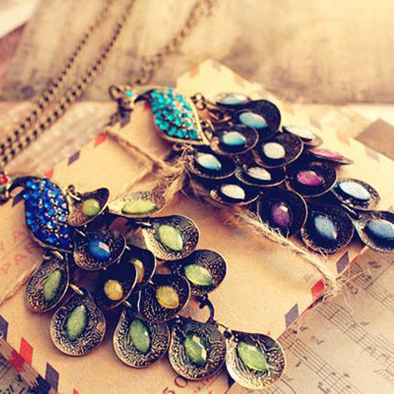 1pc Retro Style Design Inlaid Water Drop Crystal Peacock Pendant Necklace Fashion Women Charm Sweater Chain Winter Popular Gift
