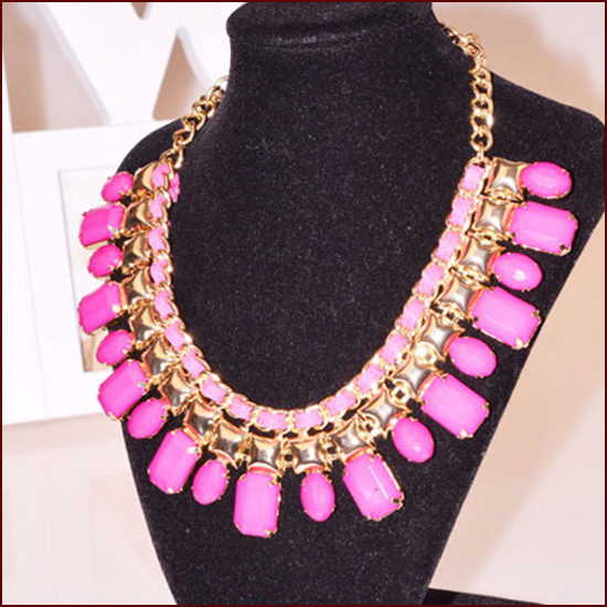 2014 Women Collier Jewelry Trends Resin Fluorescent Pendant Maxi Necklace Clavicle Colar Statement Necklaces Accessories N144