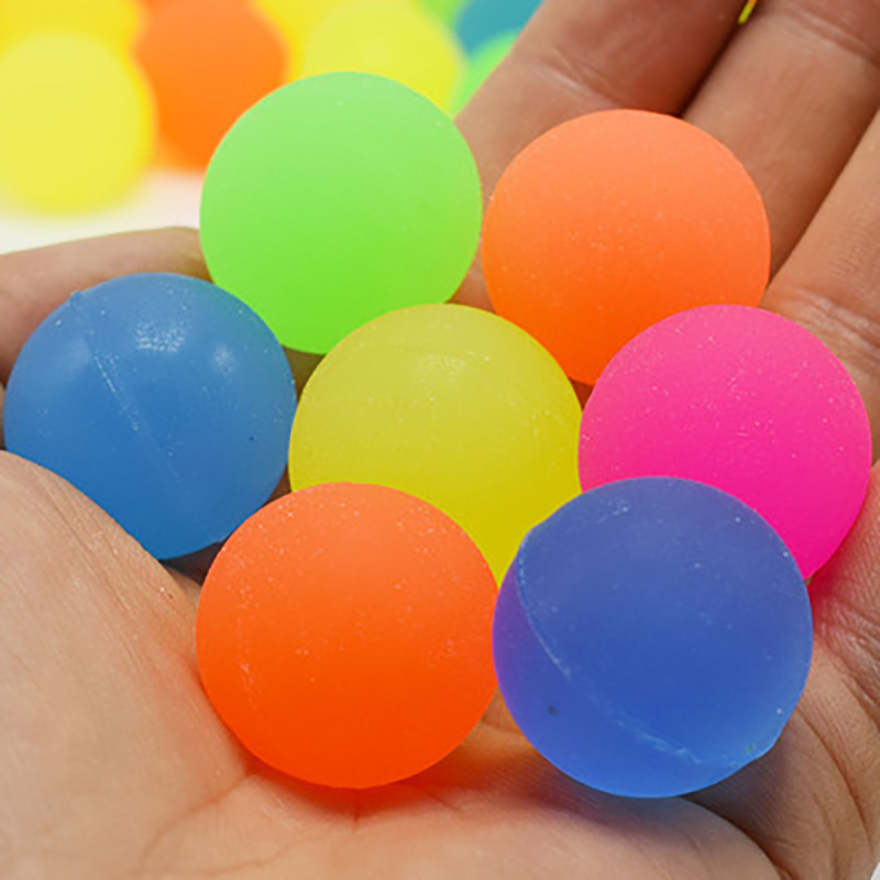 Children's 25MM Floating Water Scrub Ball Can Float On The Water Of The Toy Random Color Can Hold The Egg