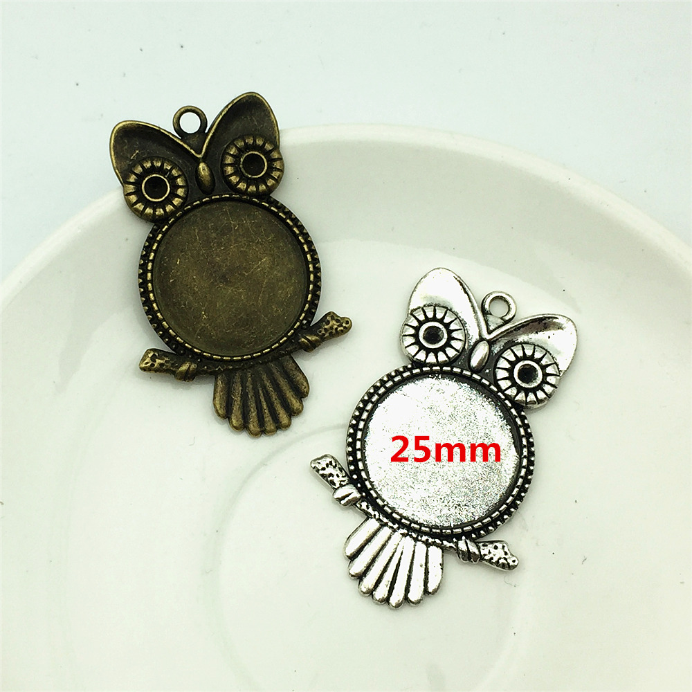 Owl Charm//Pendant Tibetan Antique Silver 14mm  10 Charms Accessory DIY Jewellery