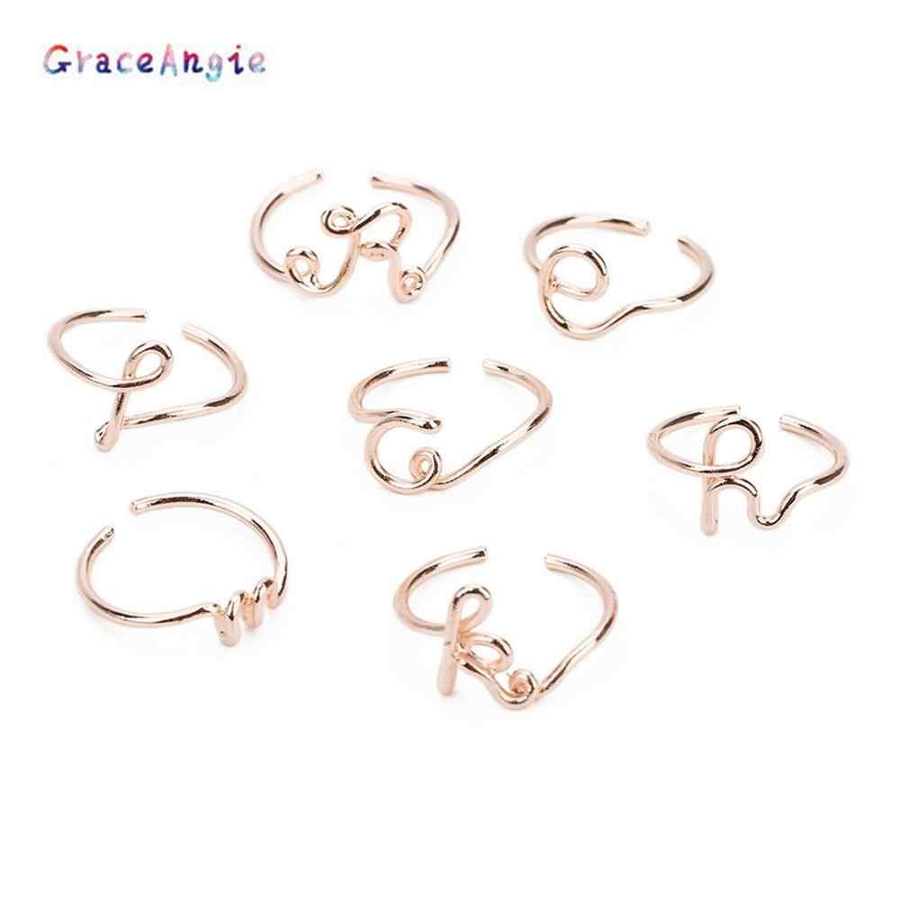 แฟชั่นรูปทรงแหวนตัวอักษร 26 ตัวอักษรผู้หญิง Simple ทองเงินชื่อแหวนหญิง Statement Party Charm ปรับแต่งเครื่องประดับ