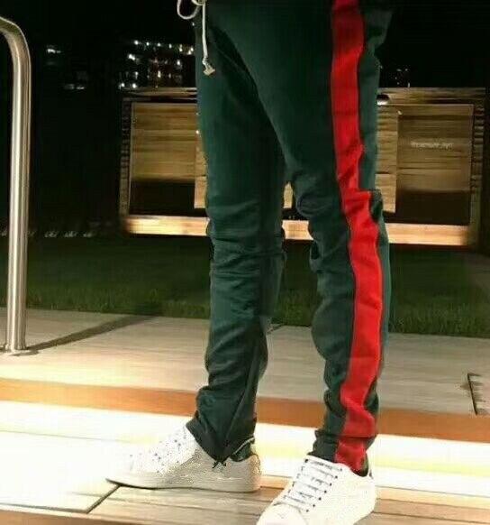 2018 NUOVO migliore versione justin bieber strisce rosse verdi splice uomo pantaloni  hip hop Moda NEBBIA tasca cerniera Laterale jogger pantaloni S XL in ... 8921bd403e08