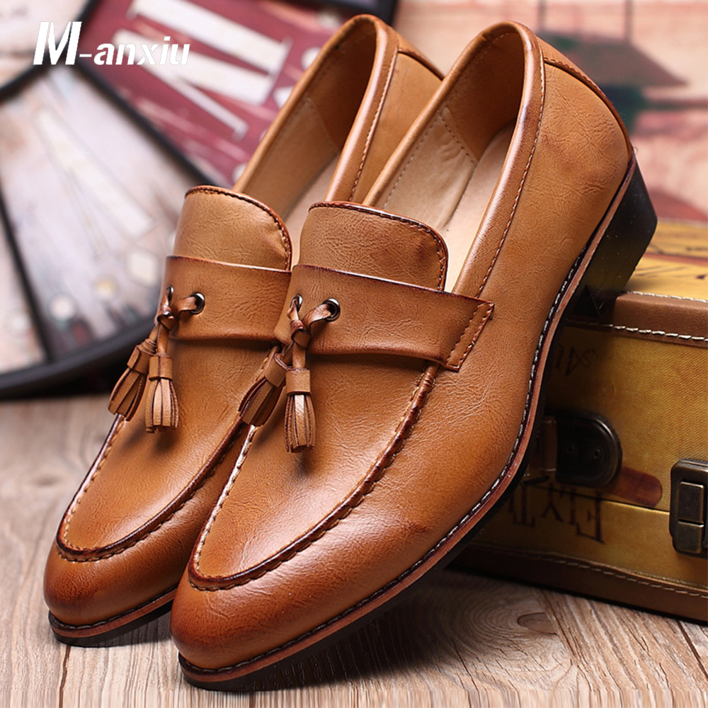 M-anxiu Men Shoes Fashion Leather Doug Casual Flat Tassels Slip-On Driver Dress Loafers Pointed Toe Moccasin Wedding Shoes