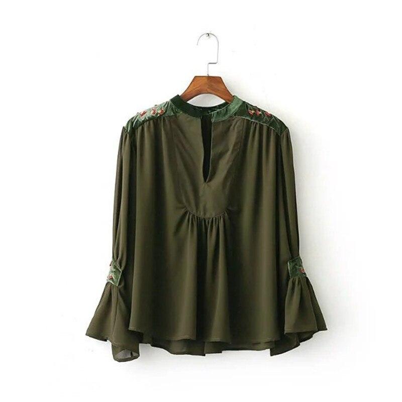 7e1d33e39 Nueva Europa costura terciopelo bordado Top señoras moda v-cuello Flare  manga Bordado mujeres Blusas cdc8171