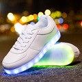 Женщины СВЕТОДИОДНЫЙ Свет Обувь на Шнурках Повседневная Обувь Мужской Привело Светящиеся Обувь для Взрослых Glow Корзина USB Аккумуляторная 35-44 унисекс