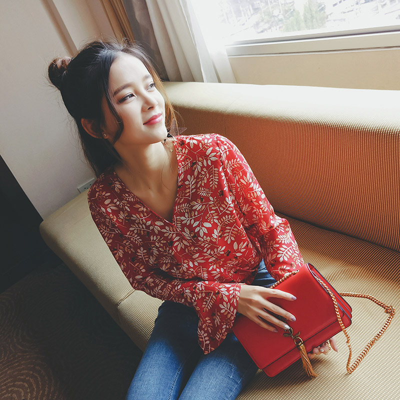 Mishow Floral Shirt Women Summer Autumn 2018 New female Red Flare Sleeve tops Long Sleeve V Neck Chiffon Blouse MX17A4805
