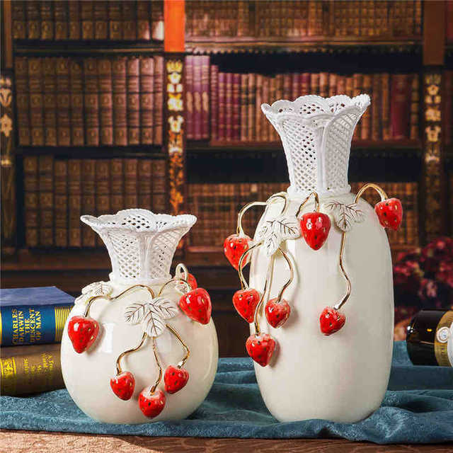 European Style Modern Porcelain Vase With Strawberry Creative