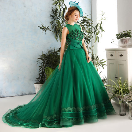 092452e1e6b46 US $328.0 |100%real dark green flowers beading Medieval Renaissance gown  Sissi princess dress Victorian /Marie/ Belle Ball cosplay dress-in Holidays  ...