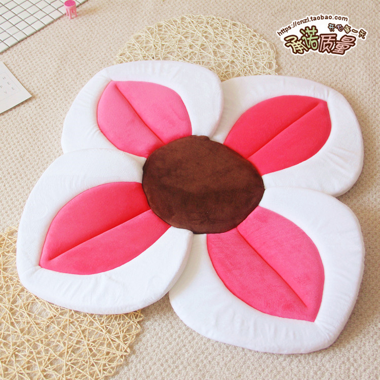 Childrens bathing special pad for water Four-flower cushion Baby bath lotus cushion bath Baby safety petal pad Bath mat