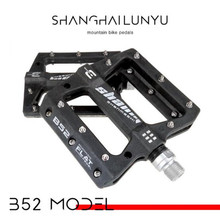 цена на 1pair Mountain Bike Pedal MTB BMX Bicycle Flat Pedals nylon Ultralight Pedals 3 Bearings Professional Bicycle Parts New Design