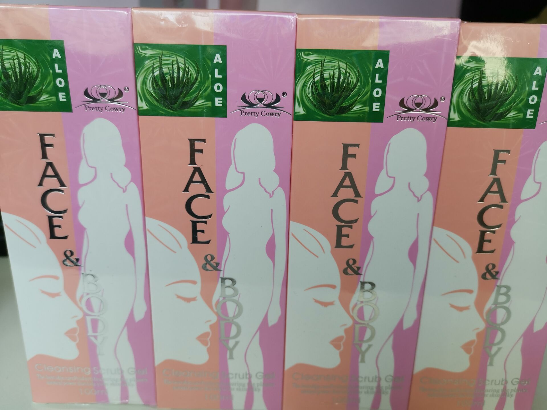 DHL Free Aloe Face And Body Scrub Cleansing Exfoliating Gel Factory 200pcs Wholesale 100ML