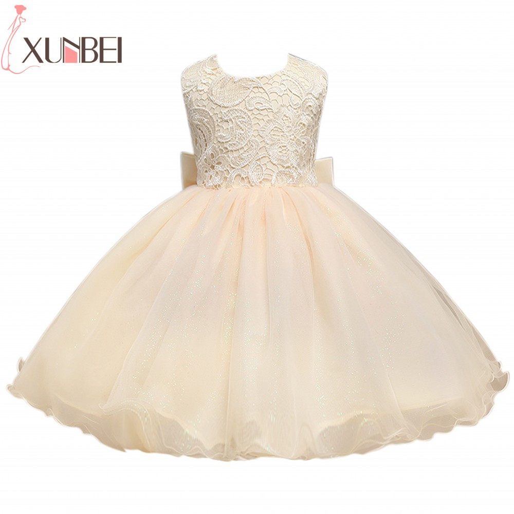 2020 O Neck Backless Ball Gown Flower Girl Dresses Cute Lace Appliques Sleeveless Champagne Vestido Daminha For First Communion