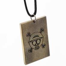 ONE PIECE Wanted Poster Necklace Luffy Warrant Pendant Necklace Friendship Men Women Anime Jewelry Choker Accessories YS11438
