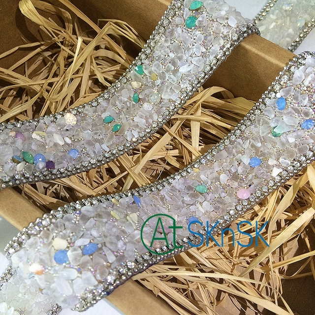 DIY Clothing Accessory Beads Lace Collar Colorful Rhinestones Decorative  Lace Ribbon Sequined Lace Fabric Size 2.5cm 50cm Sewing 3487eb03945a