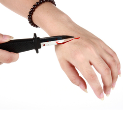 Halloween plastic blood knife shock toys props bayonet belt knife toy Gags Practical Jokes GYH